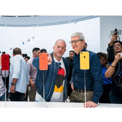 Jony Ive quitte officiellement Apple (i)