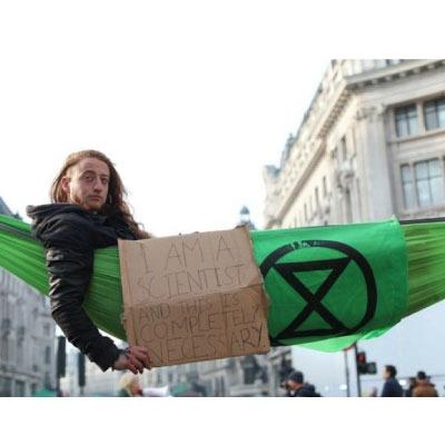 1000 scientifiques appellent à la désobéissance sur le climat (i)