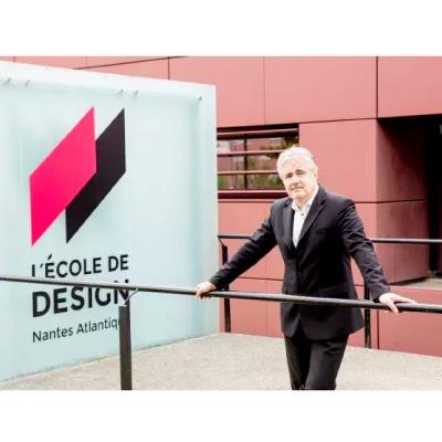 ** Quel design pour demain ? : « Il faut que les entreprises embauchent un designer comme DRH »